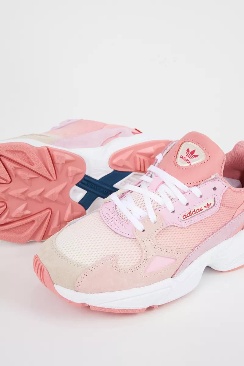 adidas mit rosa kappe