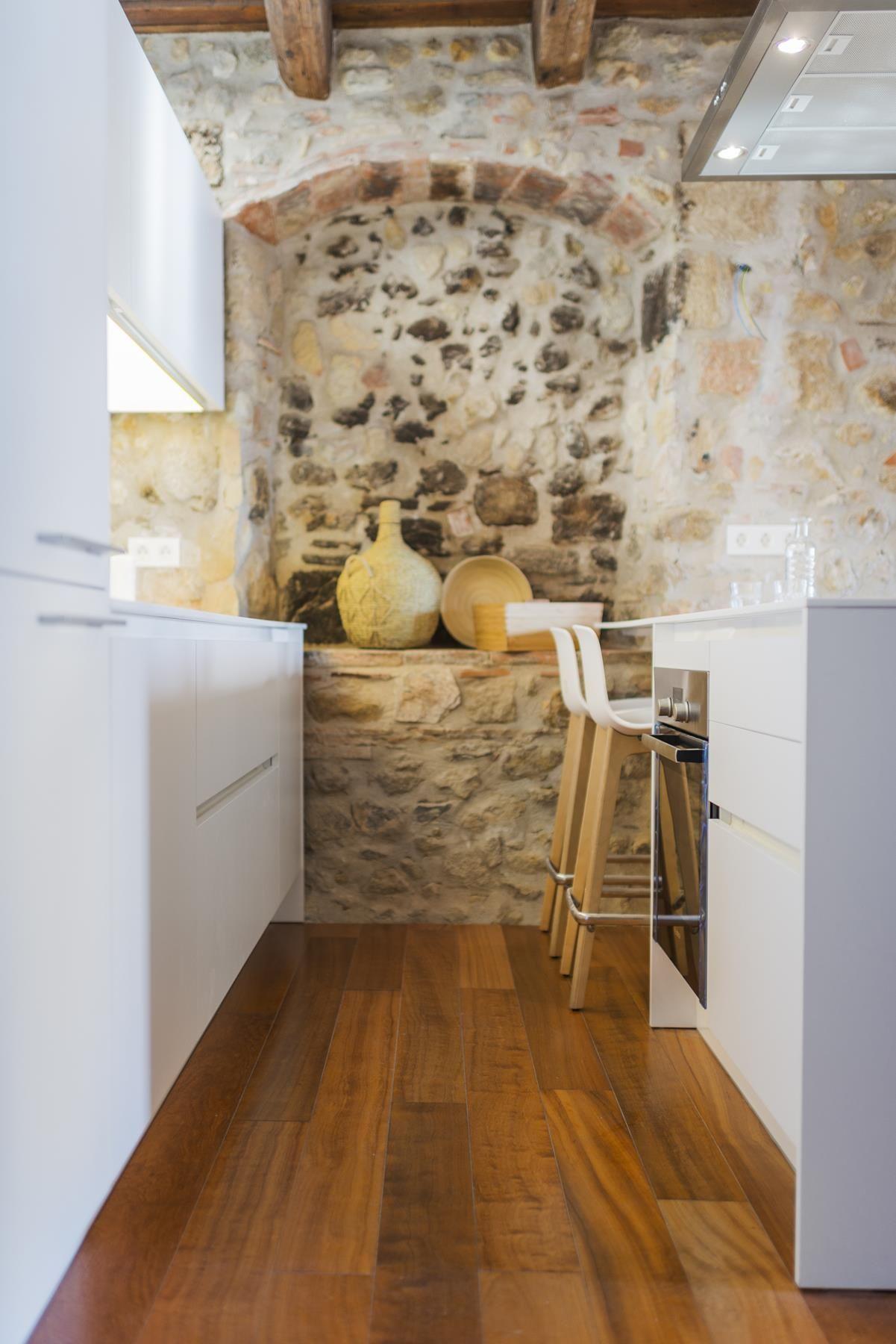 Mas a la torre interior design 0 1 decoracion de for Decoracion de casas con piedras