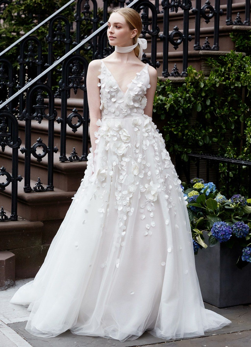 d56d44eb8 7 Bridal Fashion Trends That Should Be on Your Radar in 2019 ...