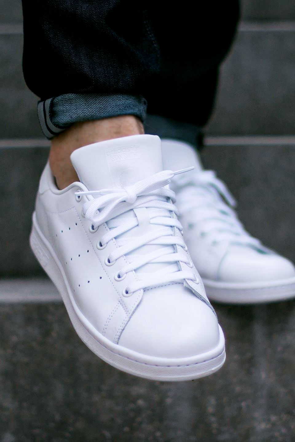 adidas stan smith all white on feet