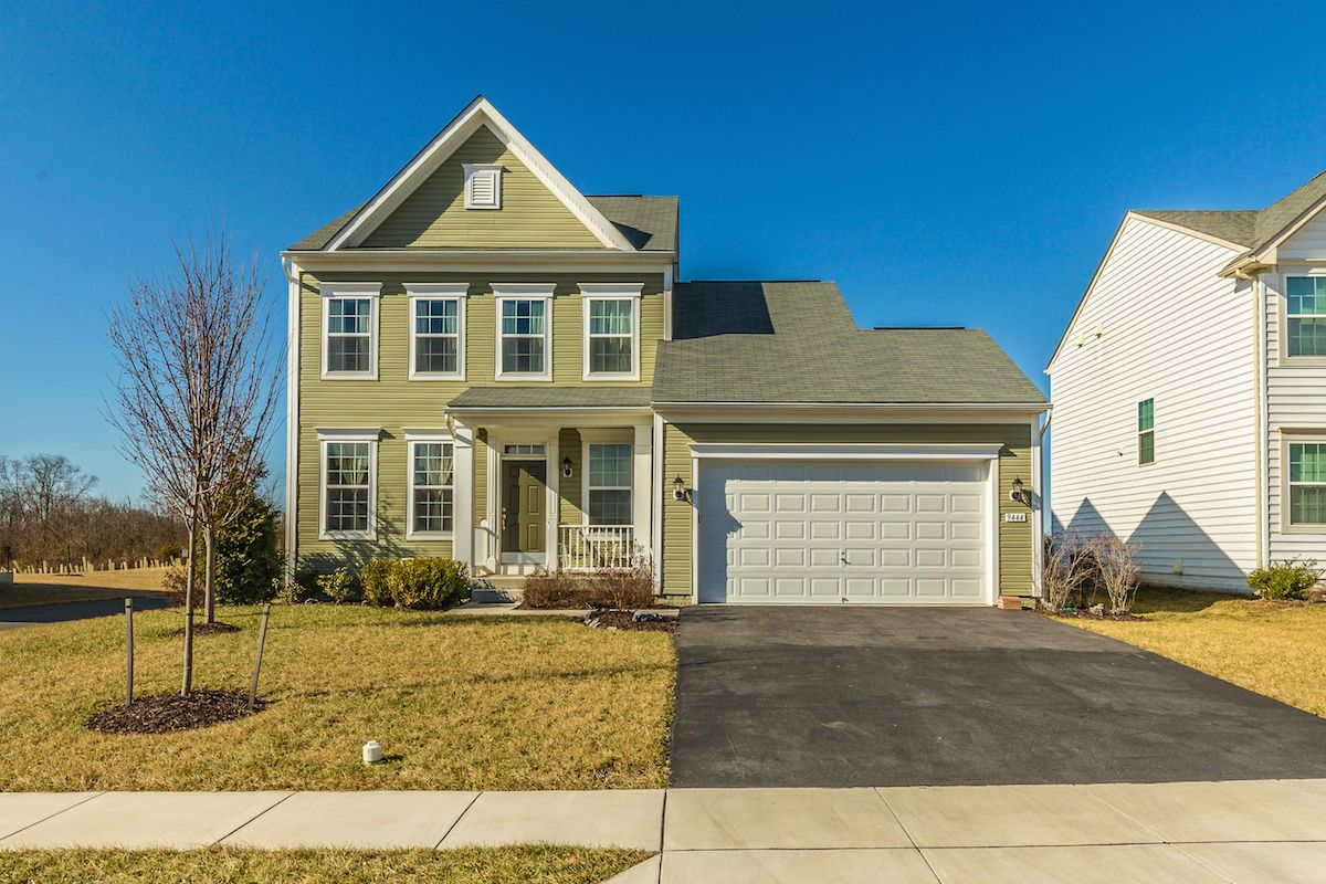 Alena Kirillov Of Douglas Realty Llc Just Listed 9444 Morning Dew Drive Hagerstown Md 21740 Beautiful Clic Colonial With Comfy Porch In The Front And