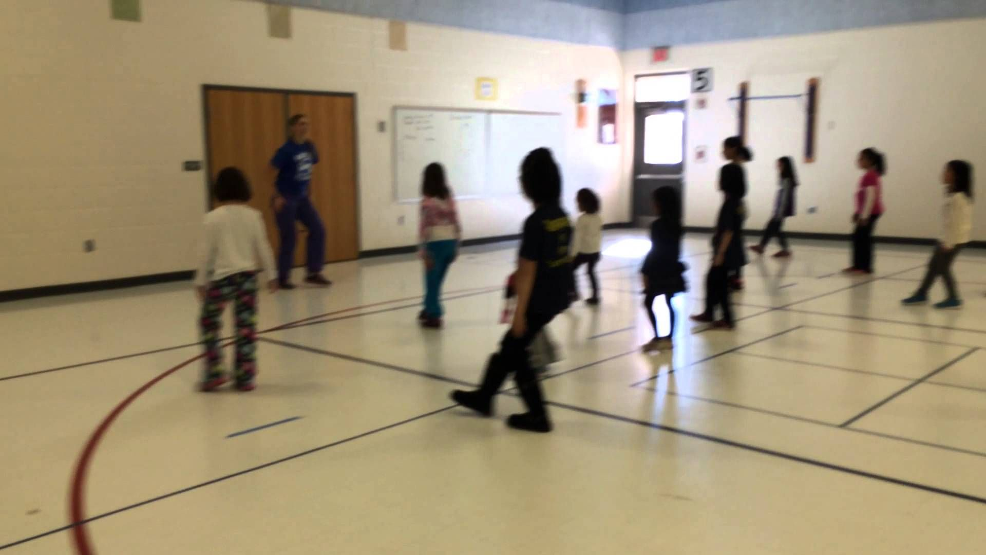 Kids Zumba What Does The Fox Say This One Has Simple Actions Sayings Zumba Kids School