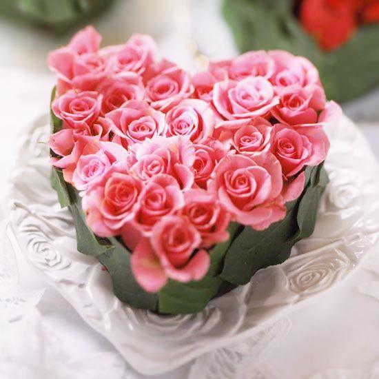 23 Stunning DIY Valentine\'s Day Flower Arrangements   Heart shapes ...