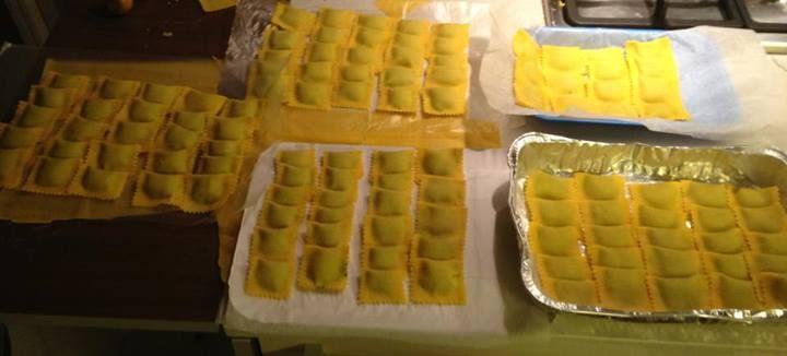 Sfoglia #LucianaMosconi + un magico ripieno + mani sapienti a formare i #ravioli....che sia l'anteprima di una bella novità....chissà! #food #pasta