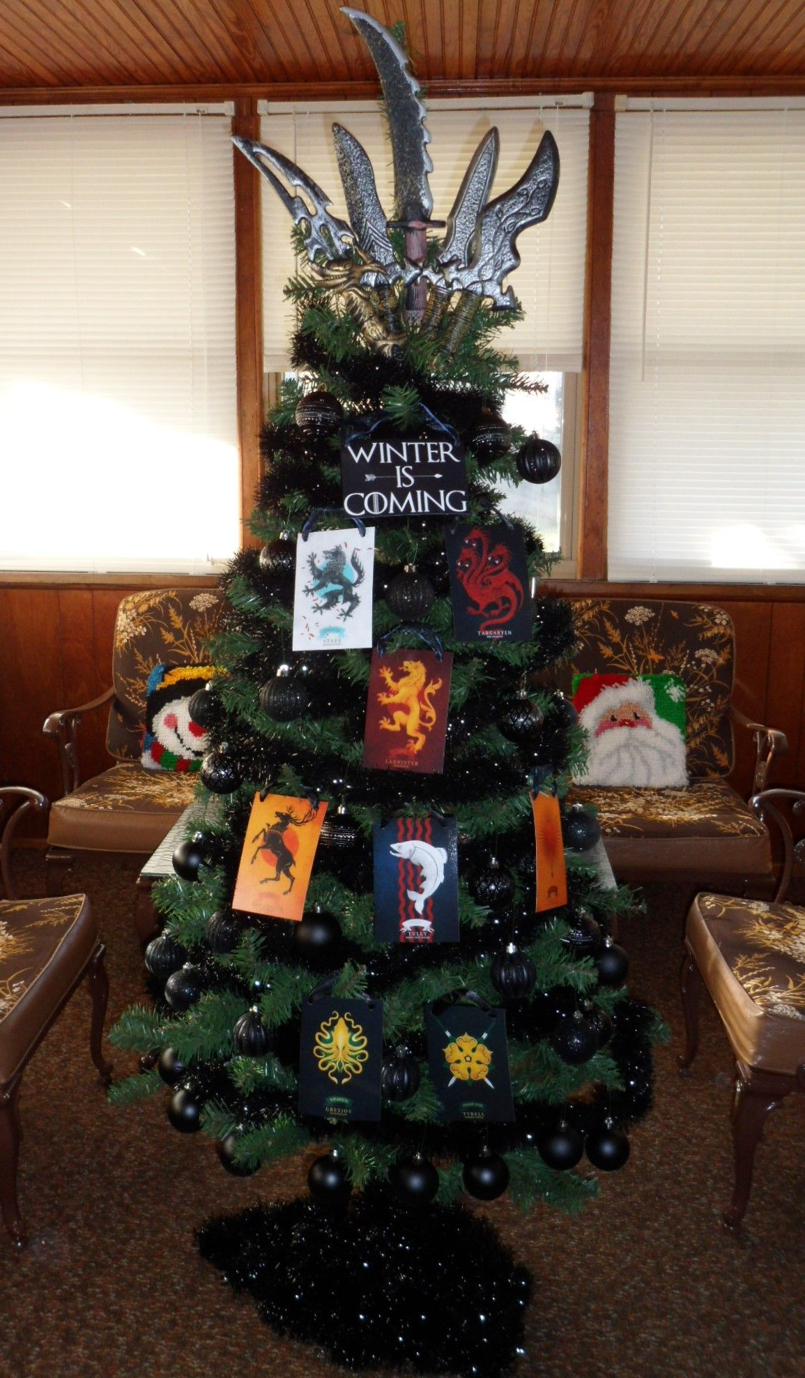 Pin By Jill Fielder On Theme Trees Game Of Thrones Christmas Christmas Tree Printable Christmas Games