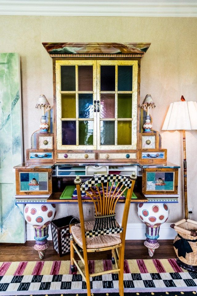 we could sit at this colorful desk all day long | Husbands That Cook