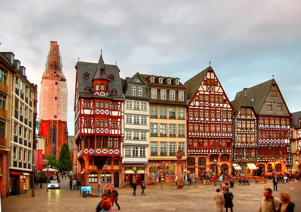 Day 10 Romerberg The Romerberg Is The Historic Heart Of Frankfurt Germany The Centre Of The Altstadt Aviapromo Travelling Holiday Frankfurt