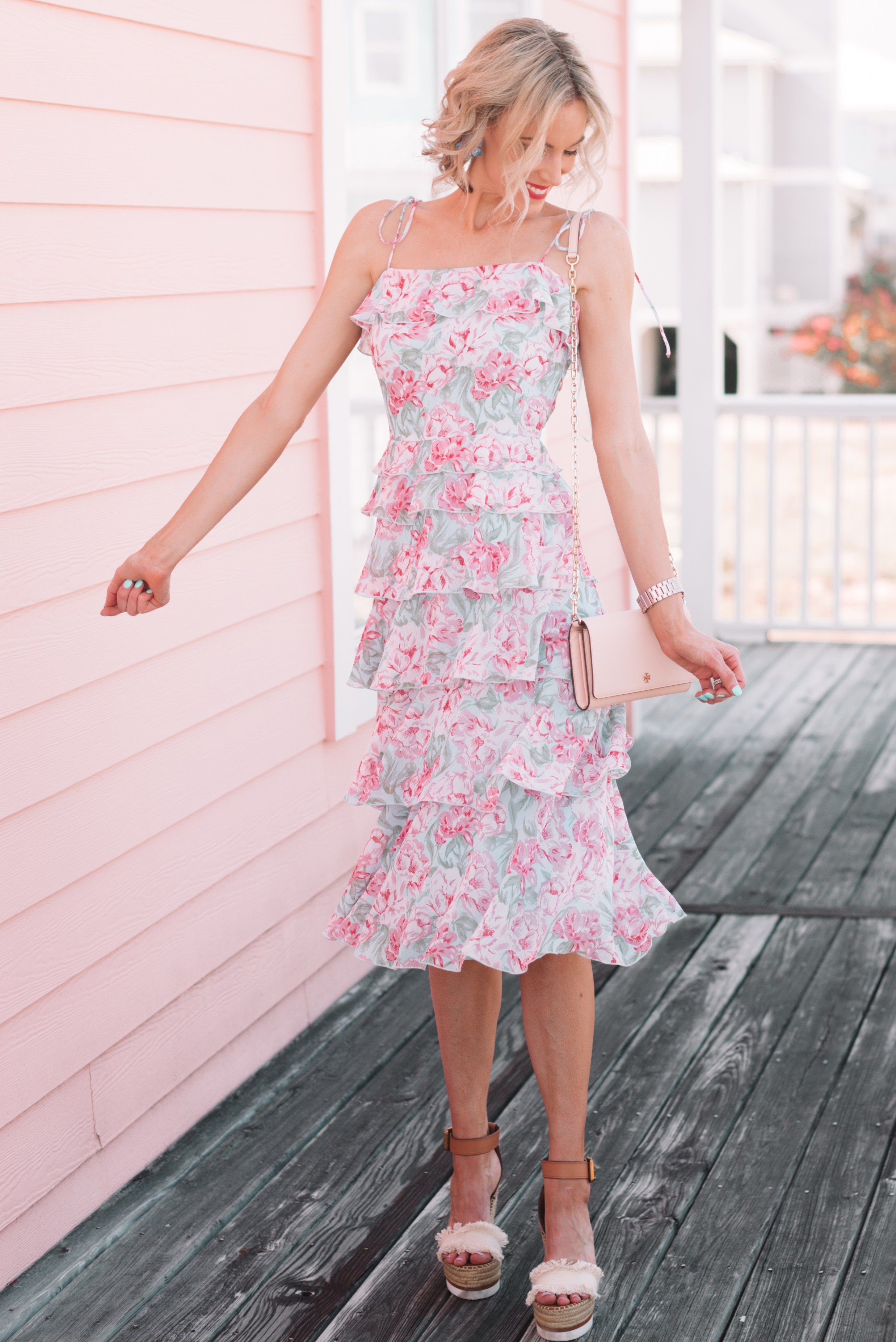 What To Wear To A Summer Wedding Summer Wedding Guest Dress Ideas Wedding Guest Dress Summer Outdoor Wedding Guest Dresses Summer Wedding Outfit Guest [ 3707 x 2475 Pixel ]