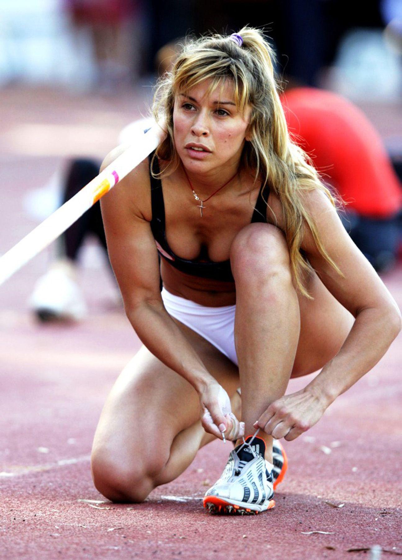 Sexiest pole vaulter — photo 7