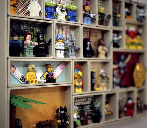 lego minifigure display would look so good in the kids room