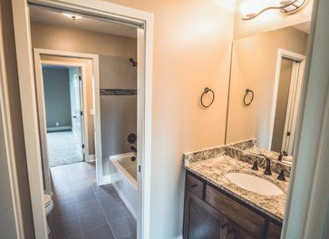 Traditional Jack And Jill Bathroom Design Ideas Pictures Remodel And Decor Bathroom Layout Jack And Jill Bathroom Bathroom Design