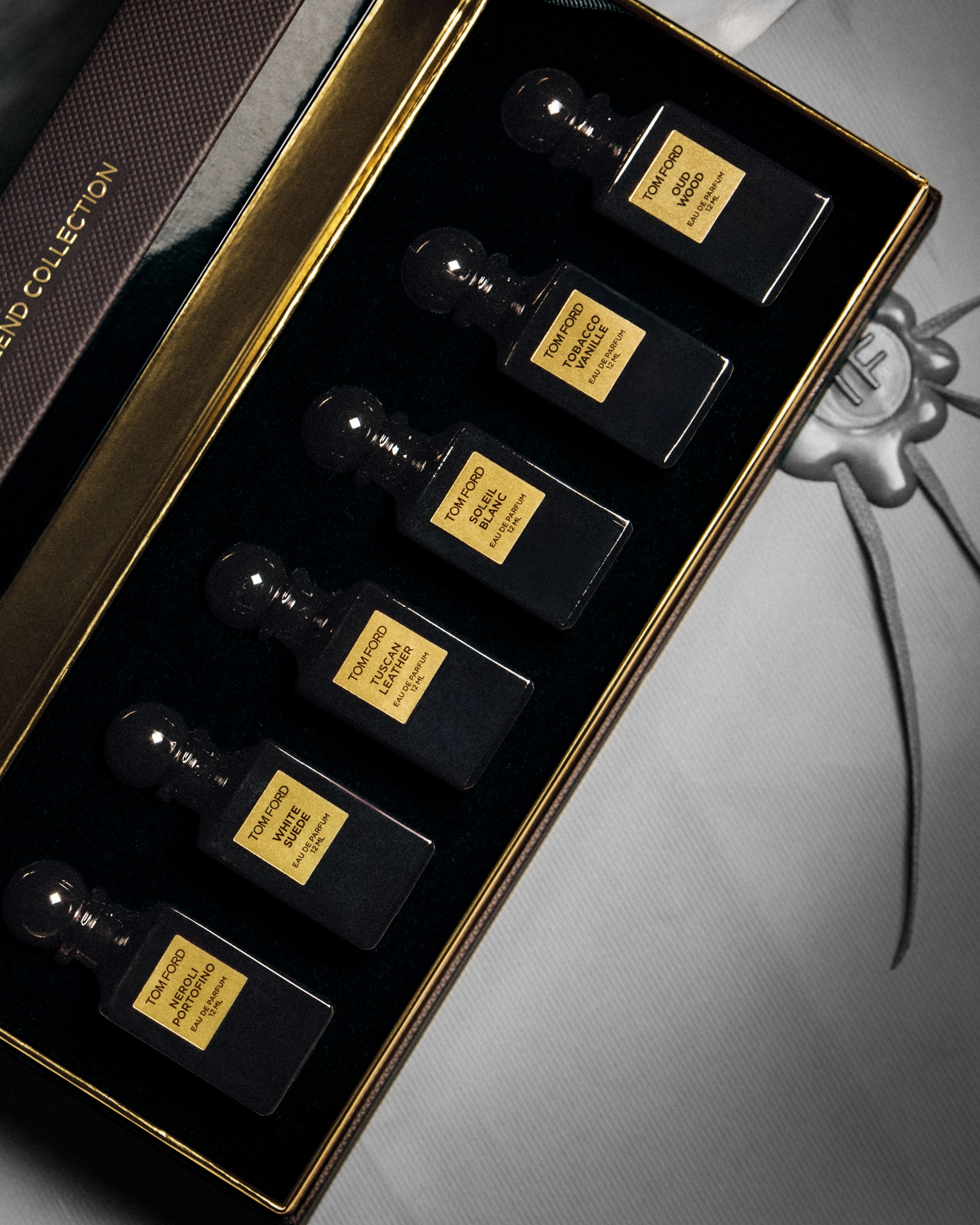 0928542194c2 The Private Blend Collection Coffret featuring six miniature fragrances  from TOM FORD's personal scent laboratory. #TOMFORD #PRIVATEBLEND #TFGIFTS