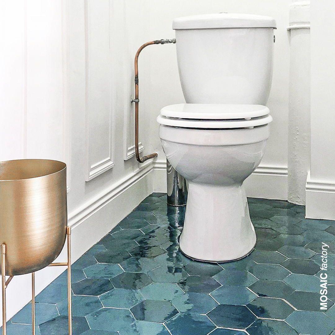 Bathroom Floor Blog Bathroom Floor Badezimmerfliesen Bathroom Floor Bathroom Blog F In 2020 Bodenbelag Fur Badezimmer Badezimmerboden Grune Fliesen