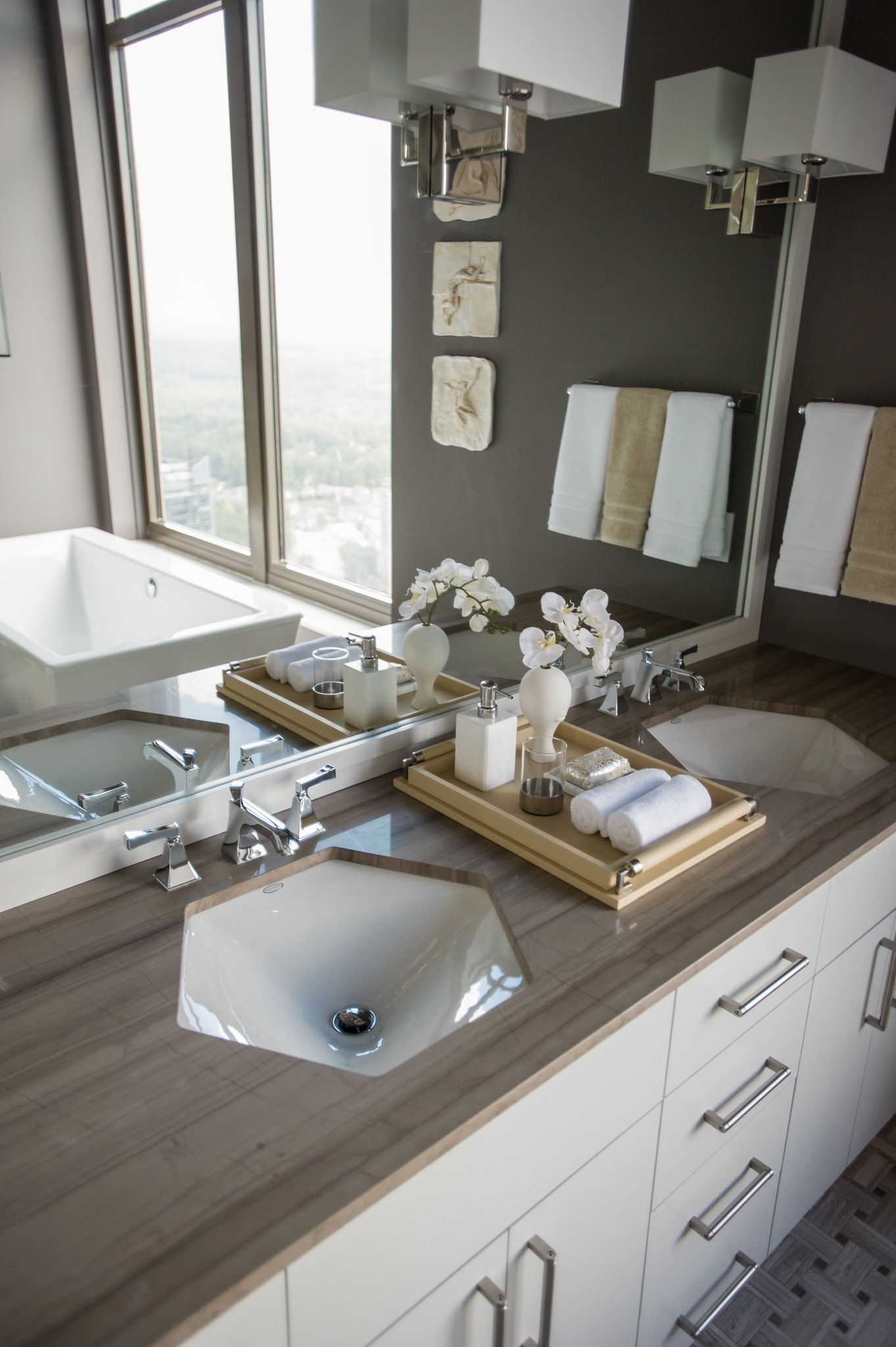 what is a jack and jill bathroom its 6 benefits explained