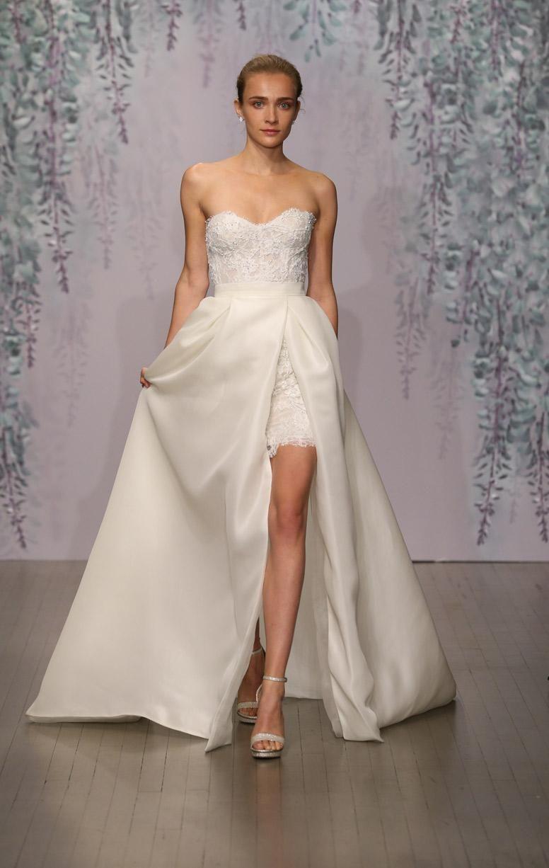 Mini white wedding dress  Monique Lhuillier AW collection  The look  Pinterest  Monique