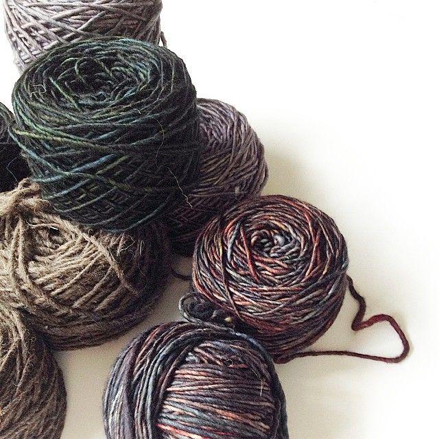 Kettle dyed yarn #aprtatextiles #aporta #wool #yarn #dye #knitting #knit #skein #color #fall #winter #handmade #work #studio #style #fashion #design