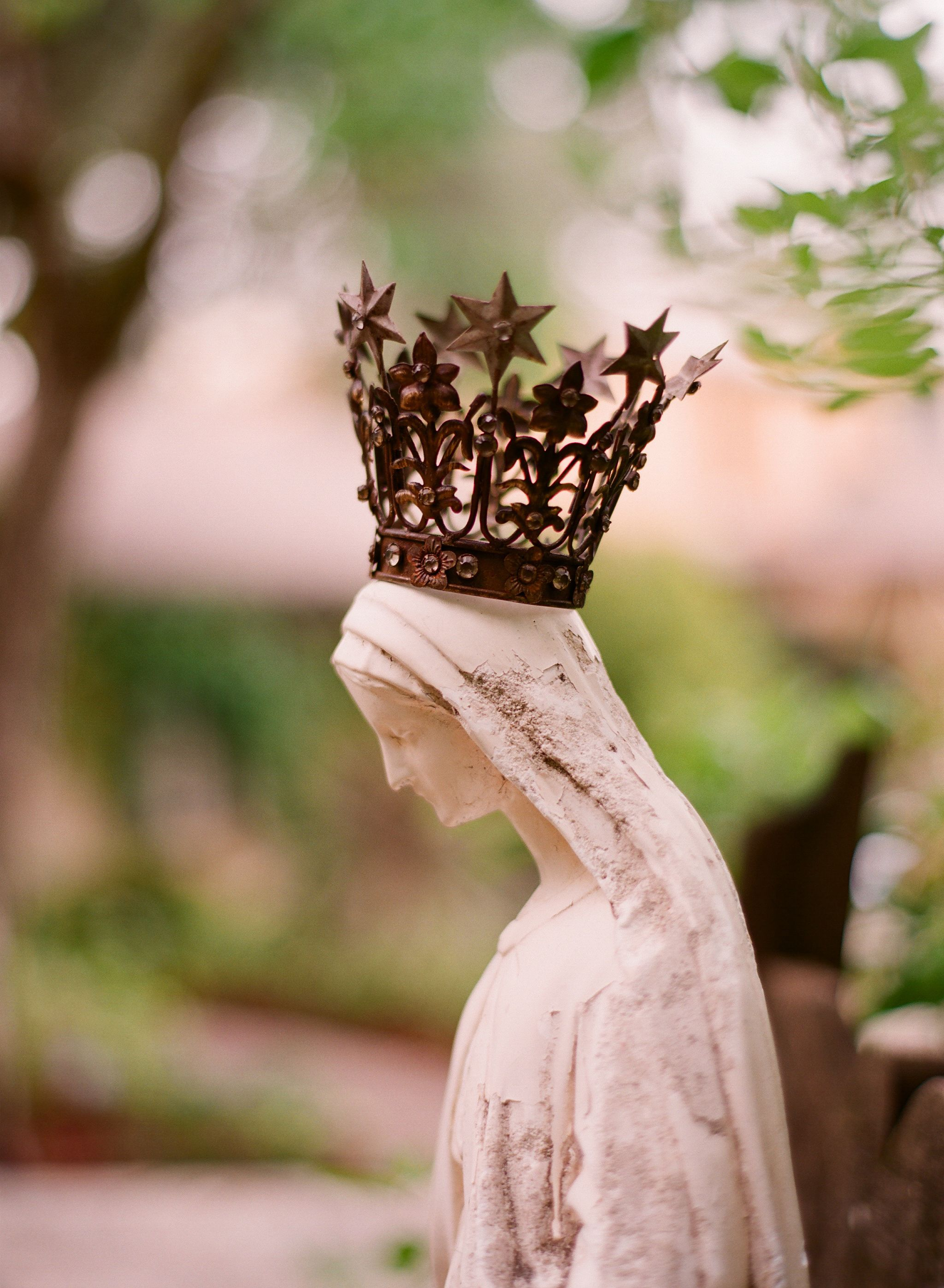 Gorgeous Mary statue!