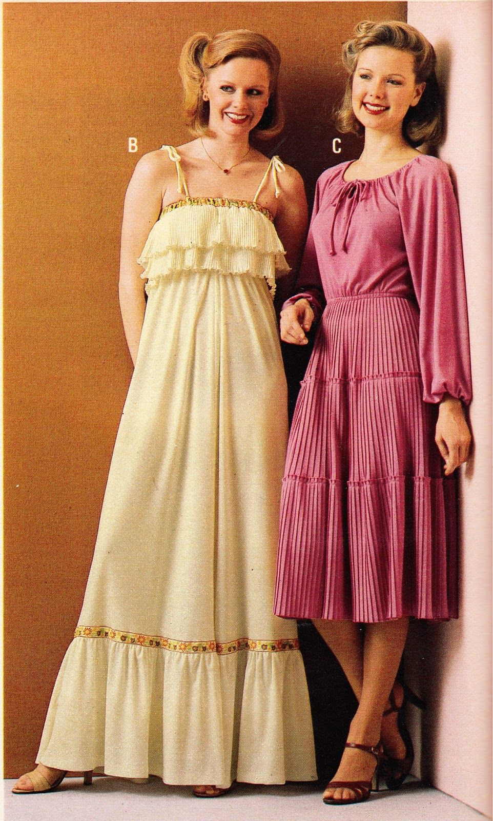Groovy Fashion 70s Women Fashion 1970s Fashion [ 1600 x 962 Pixel ]