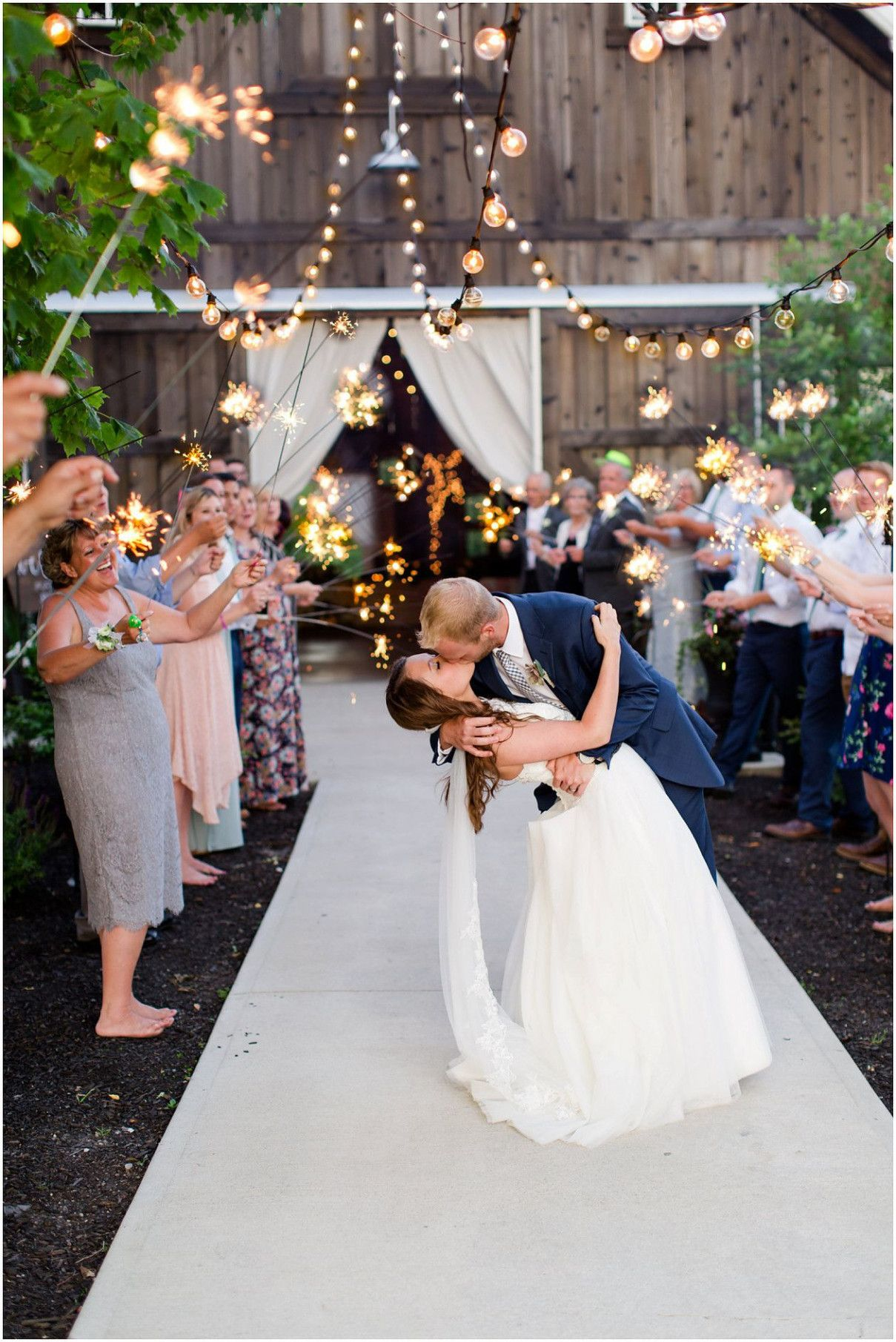 7 mindblowing reasons why barn wedding venues