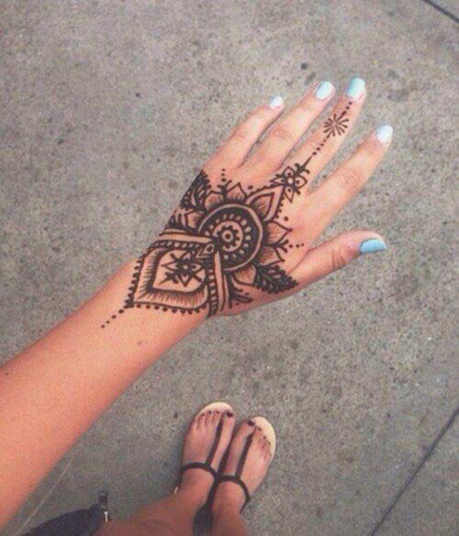 24 Henna Tattoos By Rachel Goldman You Must See: Tattoo Temporária: 24 Desenhos De Henna Para Planejar Seu