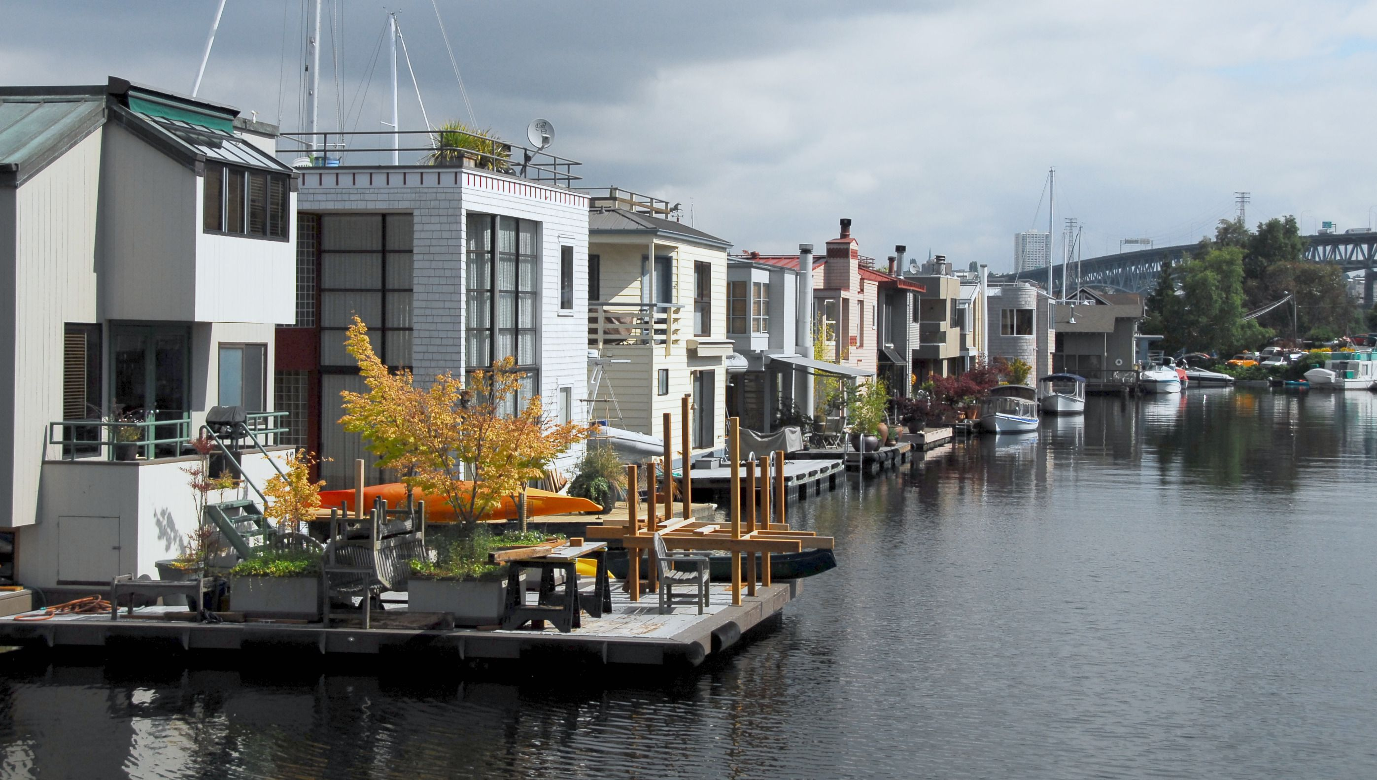 Houseboat Neighborhood..Seattle...This Is The Kind Of Living I Want