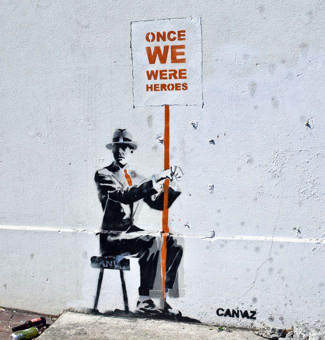 """"""" Autrefois, nous étions des héros. """" / Street Art. / Dublin. / Irlande. / Ireland. / By Canvaz."""