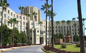 Hospital Universitario UANL-   Centro donde realizamos las cirugías.