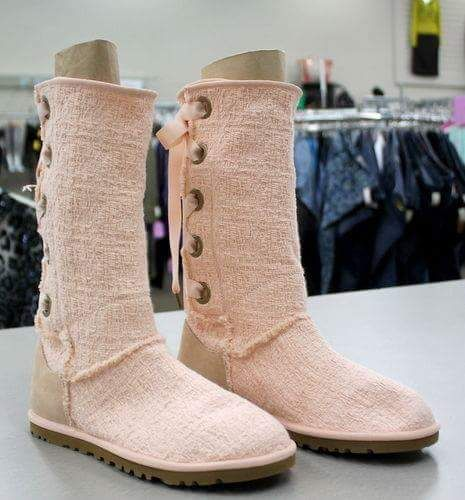50 Iconic Styles Of Latest Ugg Boots For Women For Ultimate Fashion. Button UpUgg ...