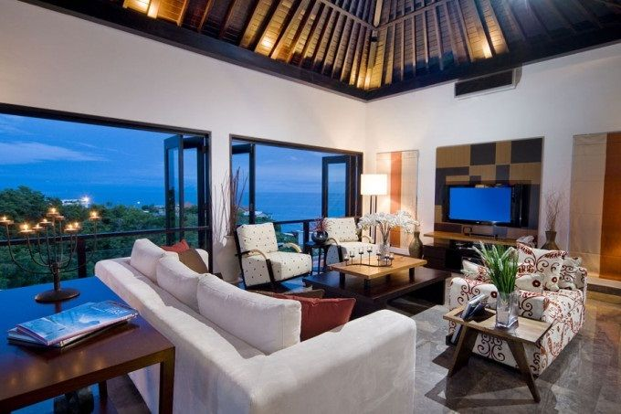 Amazing Tropical Interior House With Wonderful Furniture View Live Sea