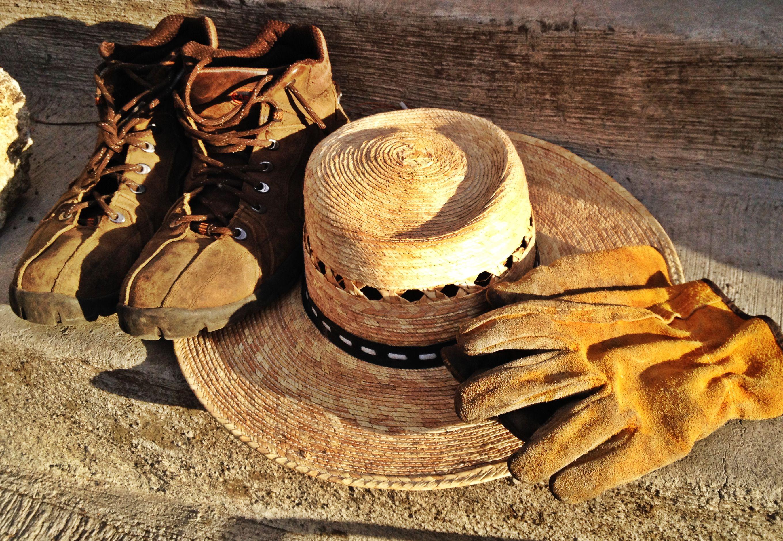 #BásicosJardín botas, sombrero y guantes by: @peppekook