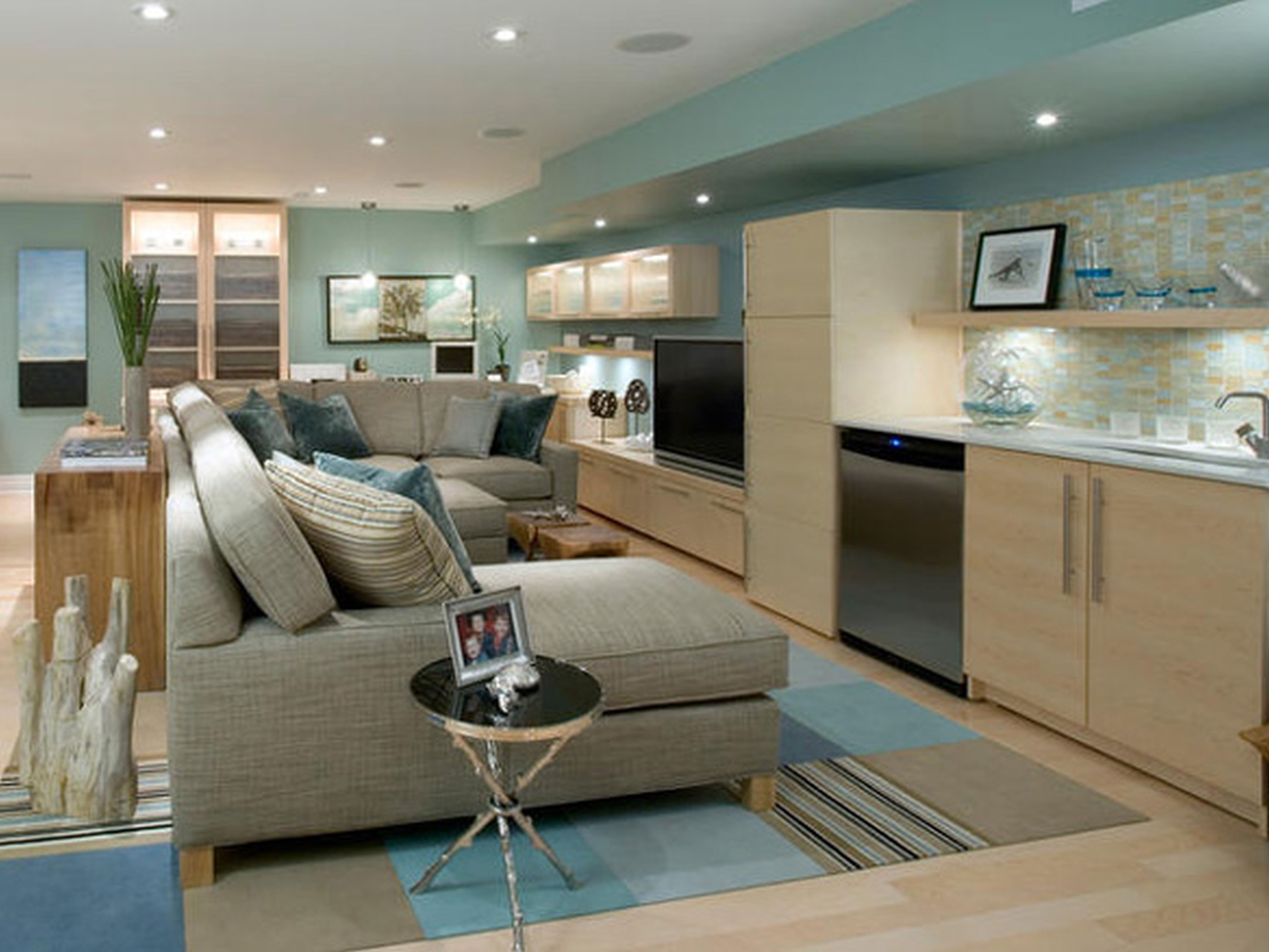 Utilizing Basement Family Room Design Ideas Paint Colors For A Basement Family Room With Recessed Light And Wall Shelf & Utilizing Basement Family Room Design Ideas Paint Colors For A ...