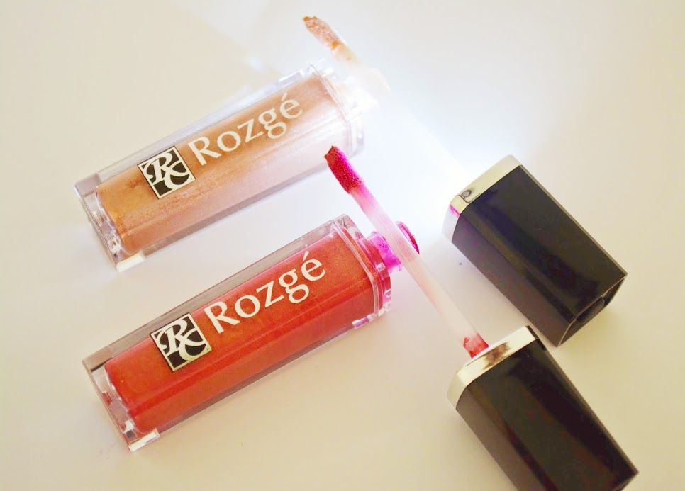 Rozgé Lip Gloss is all natural and contain Dragons Blood, Jojoba , Safflower & Sunflower oils along with Shea butter and Aloe Vera.  I just love putting this on and Its become a purse favorite. -- via TheBeautyDaily