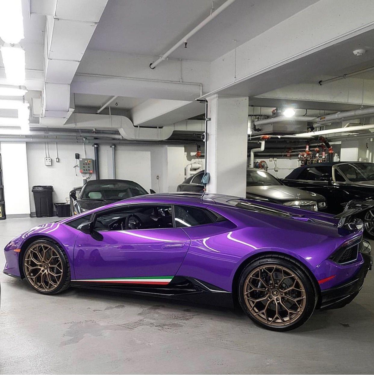 Lamborghini Huracan Performante Painted In Viola Parsifae W/ Tricolore  Stripes Along The Doors Photo Taken