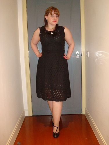 60's Dress I wore to the Australian Ballet on Friday.  Dress - Vintage Lace 60's Ebay with a satin bow with a little button Shoes - Big W Earrings - Hollywoodstyle.com Slip - Big W