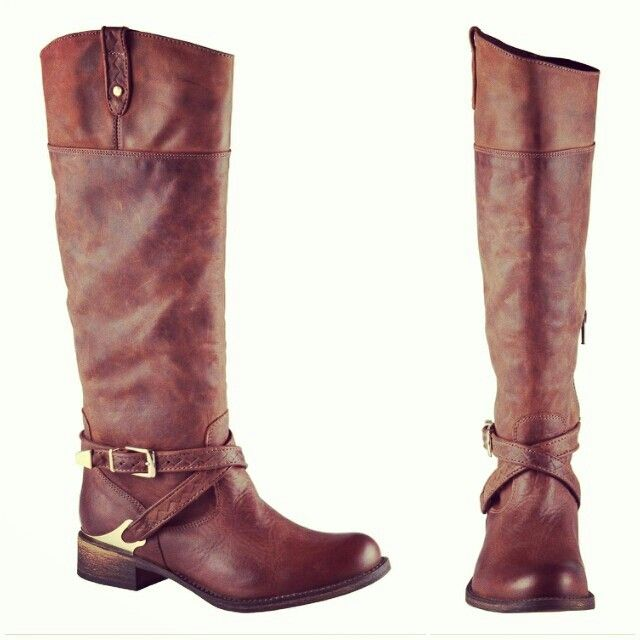Awesome tall brown boots! Hibou Meader boots from Little Burgundy