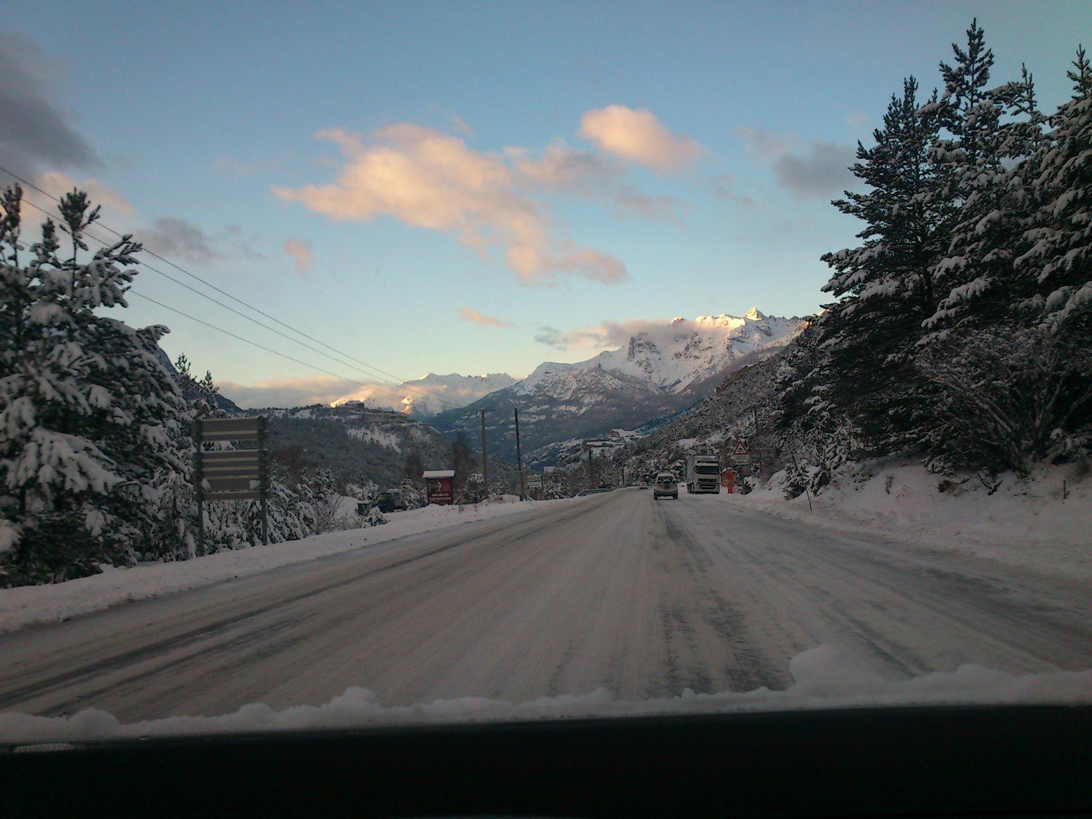 Les conducteurs Resalp sont formés à la conduite sur #neige en #montagne en toute sécurité