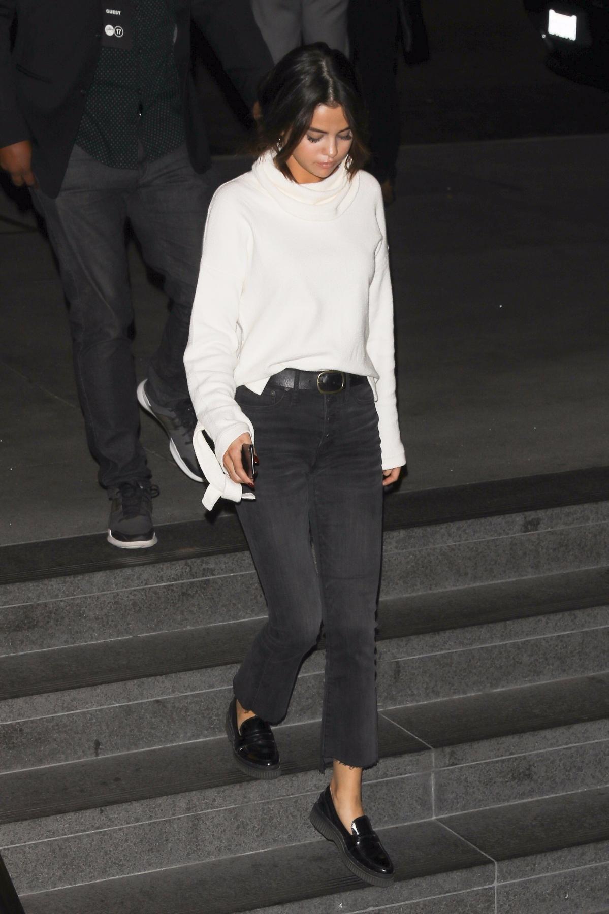 0bbc5f5e2ab2 Selena Gomez wearing Madewell Tie-Cuff Pullover Sweater in Antique Cream