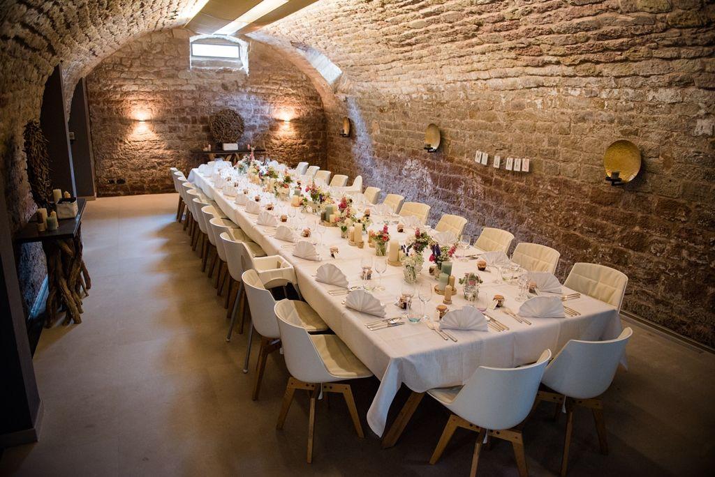 Unser Gewolbekeller Im Landhaus Losch Fur Freunde Hotel Sudwestpfalz Pfalz Hochzeit Heiraten Wedding B Gewolbekeller Weinkellerdesign Weinzimmer