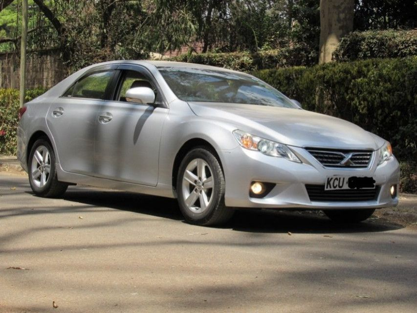 Toyota Mark X 2021 Ratings The Mark X Has Been About For Over 50 Years Aback It Fabricated Its Admission As The Mark Ii However Assembl With Images Toyota Bmw Car X Car