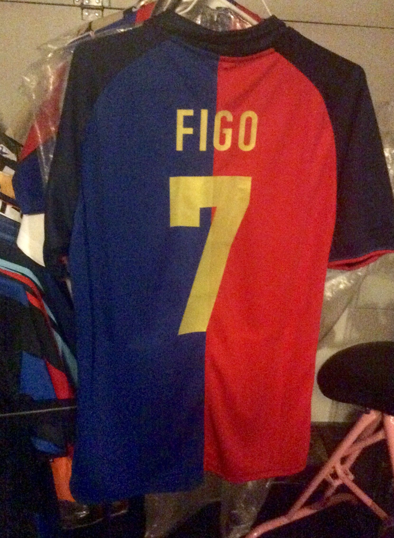 big sale 61a57 7d991 Luis Figo Barcelona 1999-2000 | Soccer Jerseys / Number ...
