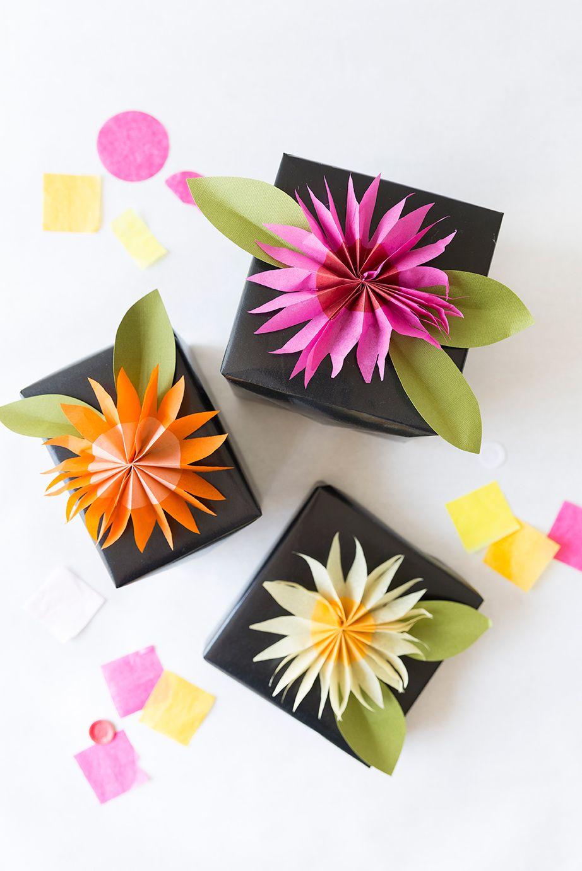 Diy Paper Tissue Flower Gift Topper Wrapping Ideas Pinterest