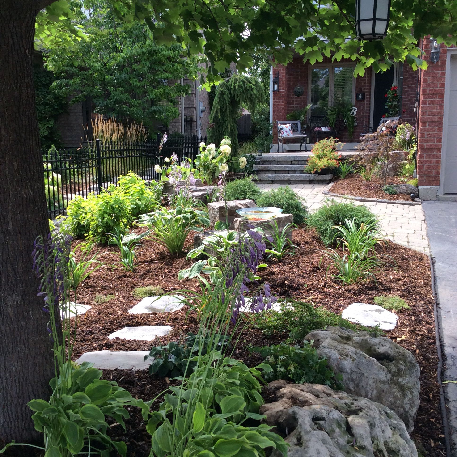 Small front yard landscape no grass outside pinterest for Small front landscaping ideas