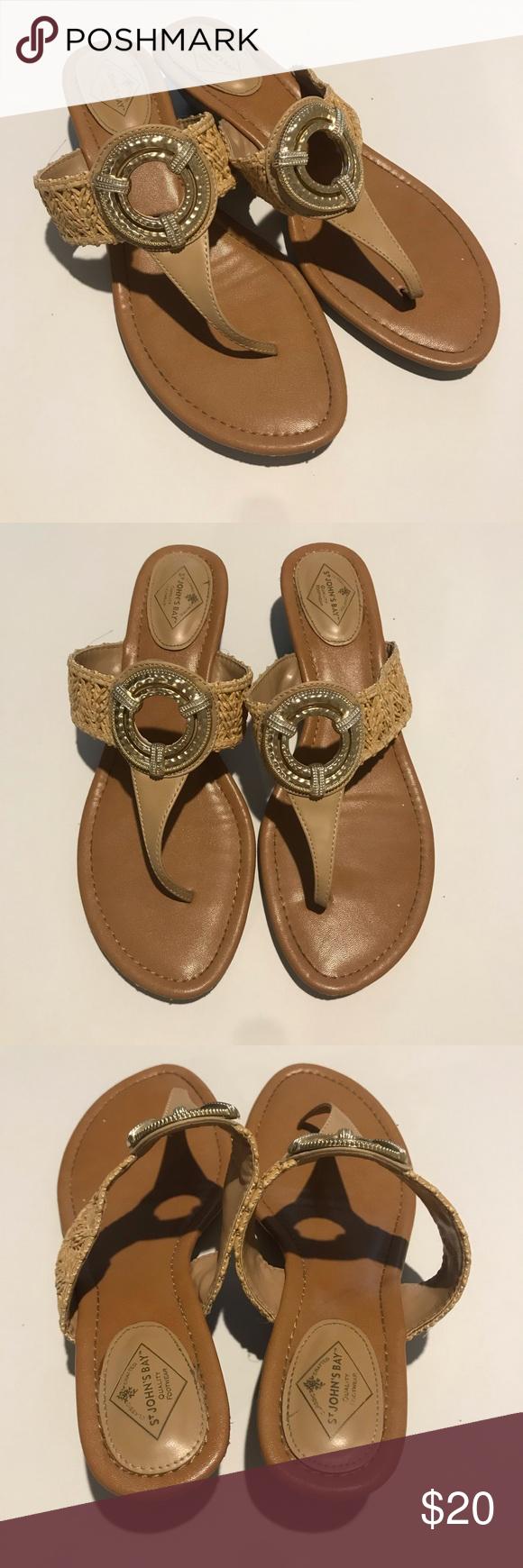 ST JOHNS BAY Key Hole Wedge Sandals