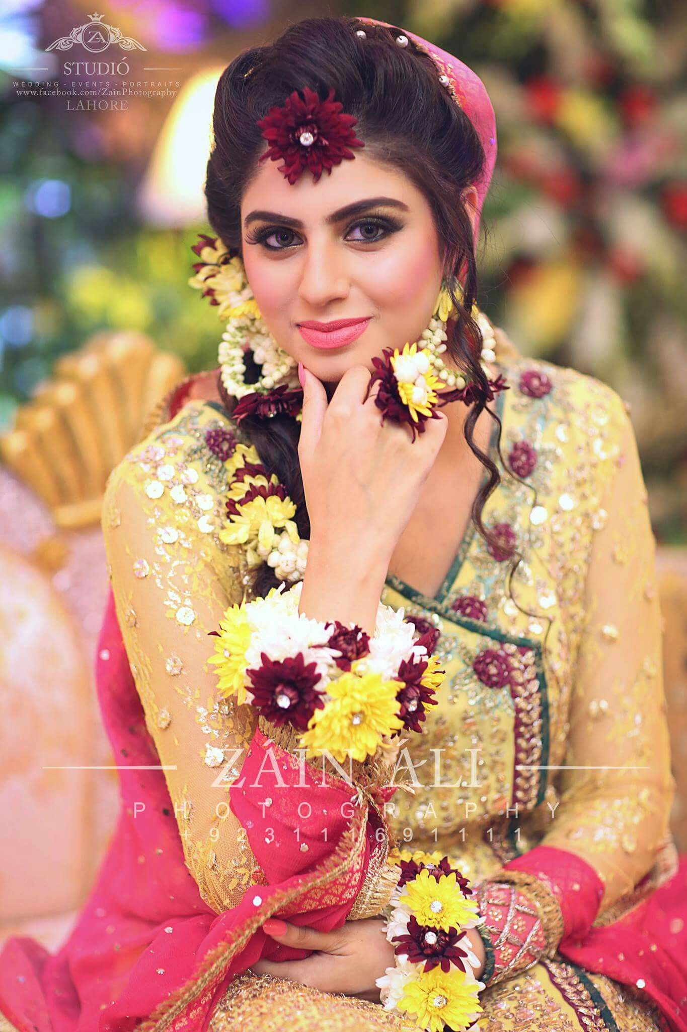 Mayoun dress Pakistani wedding, Bride