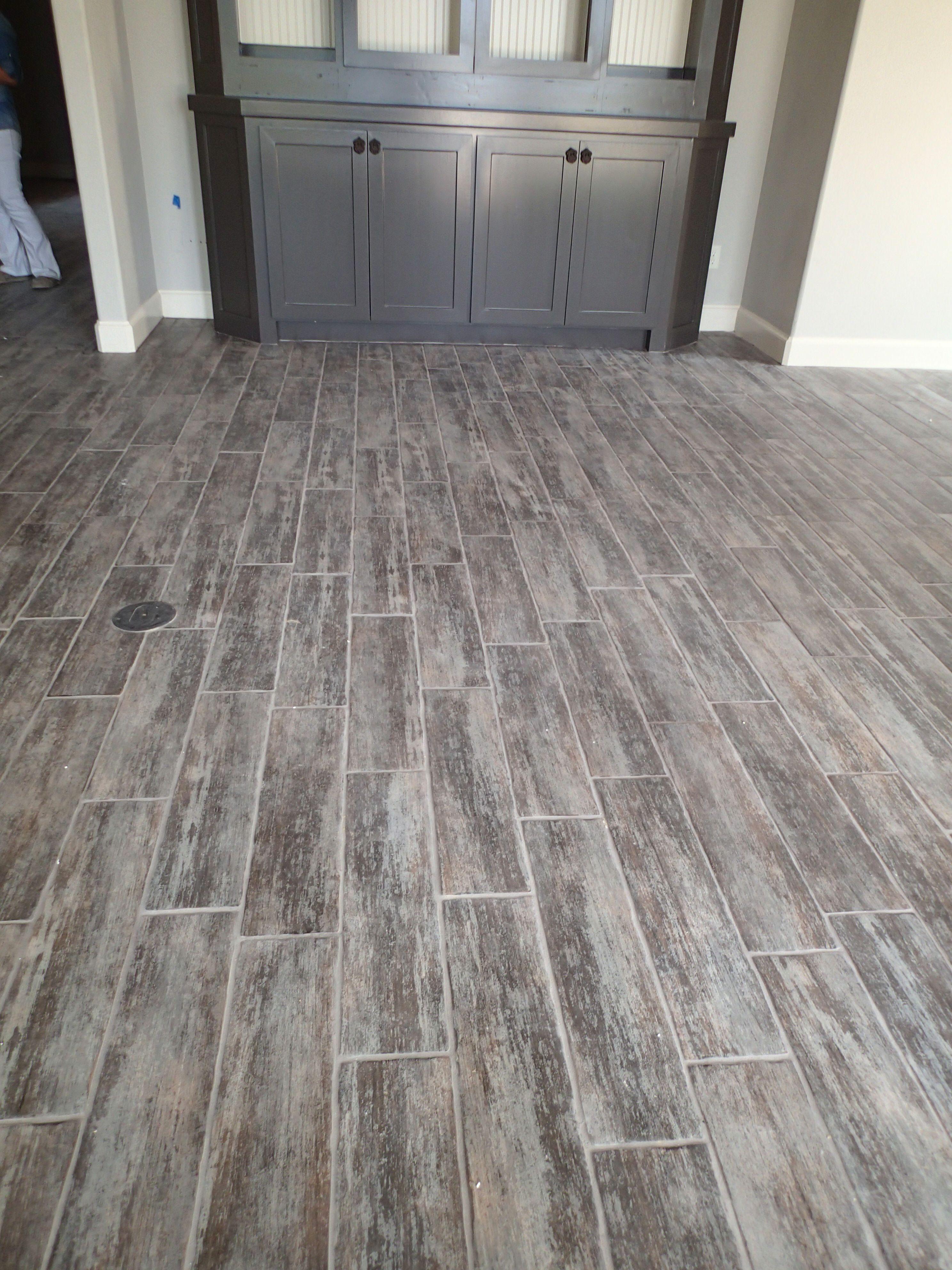 wood look ceramic tiles flooring