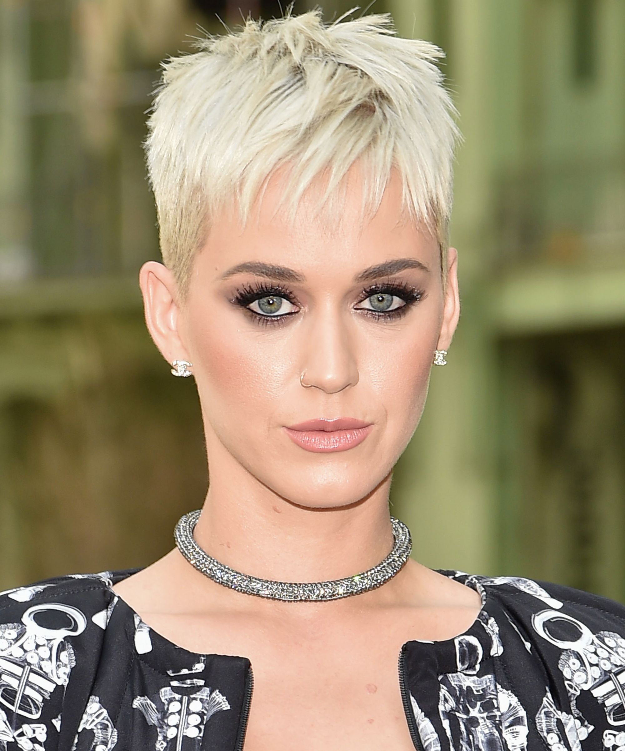 Celebrity Hair Styles: The Celebrity Short Hairstyles That Are Winning 2017