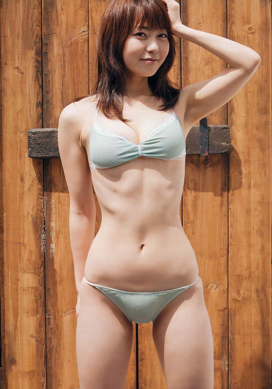 長崎真由子の水着画像