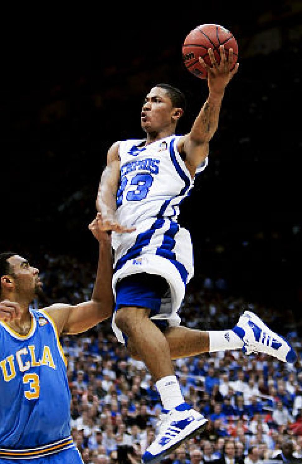 19ed3e4c0a2f Memphis  Derrick Rose would look great planted at the Garden ...