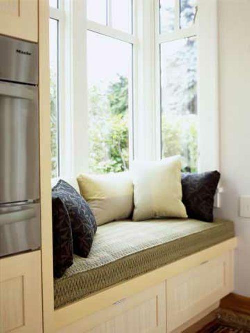 Sitzecke am Fenster - Polstermöbel Einrichten Pinterest - kleines schlafzimmer fensterfront