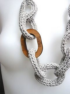 Crochet Chain Link Necklace. Tutorial by Shara Lambeth Designs {Love the combination of wood}
